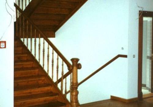 Treppenrenovierung und Parketterneuerung